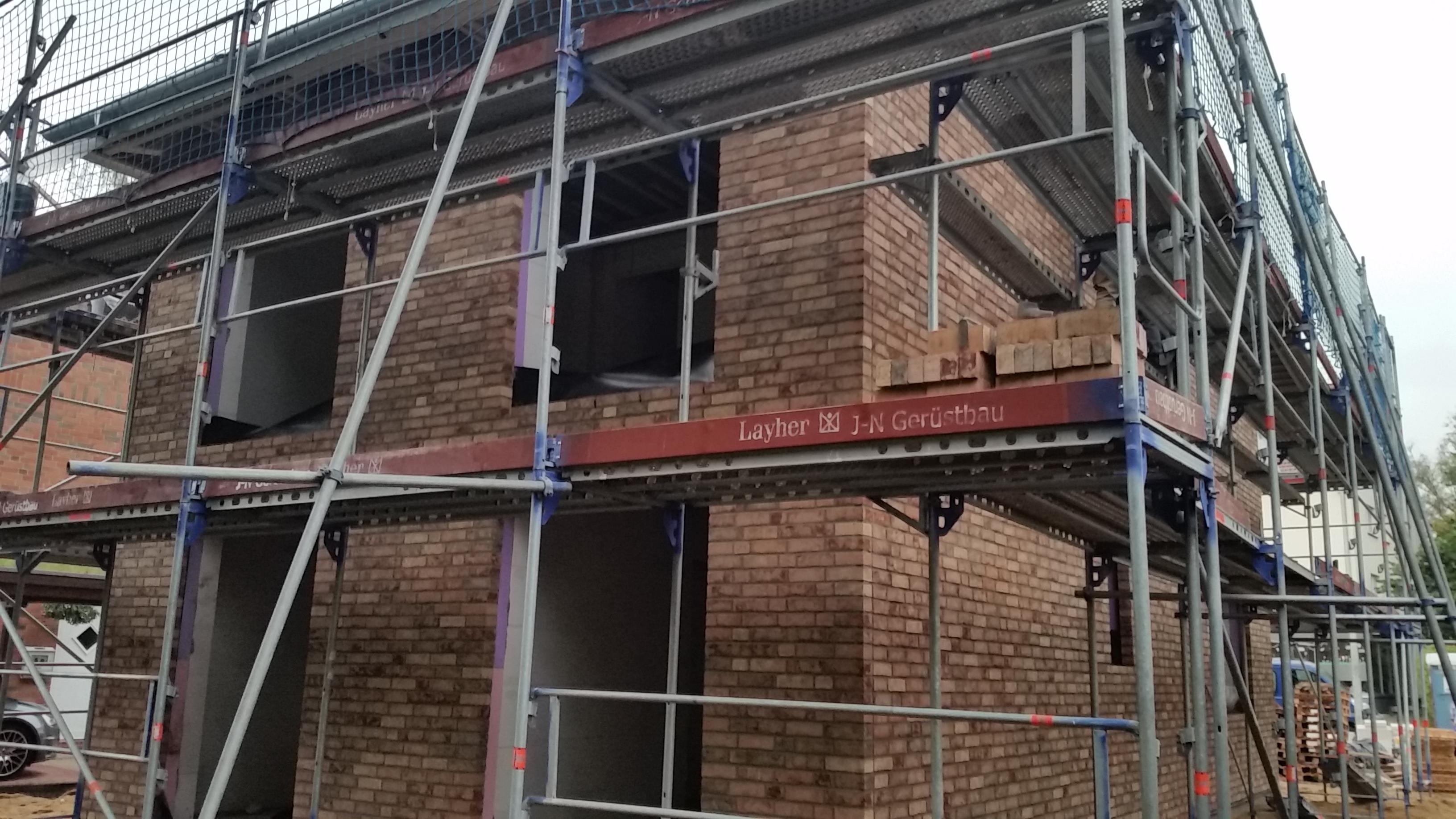 Kw 42 43 fertigstellung der klinkerfassade bautagebuch team massivhaus - Einbau fenster klinkerfassade ...